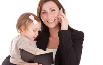 育児をしながら仕事をする弁護士