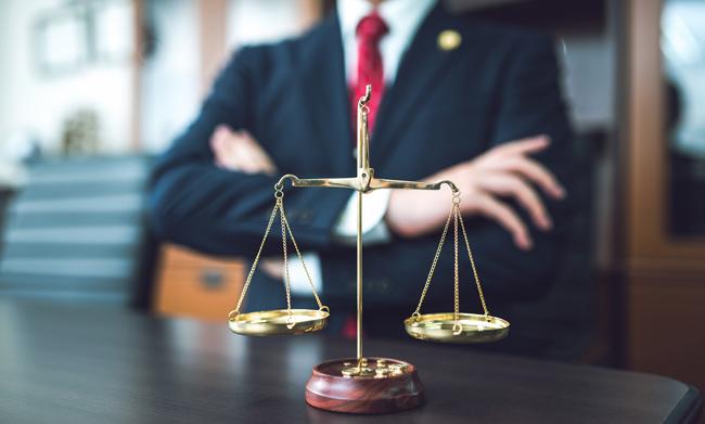 離婚裁判の弁護士