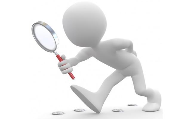 離婚裁判の証拠を探す人