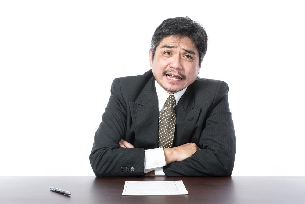 依頼者の相談にのる弁護士